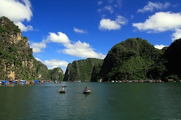 Halong Bay fishing villages near Van Gia