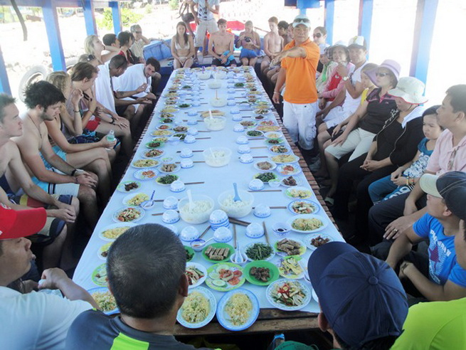 Lunch on boat for Nha Trang snorkeling tour