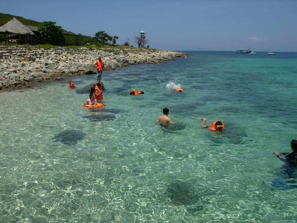 Hon Mun Island in south of Nha Trang Bay