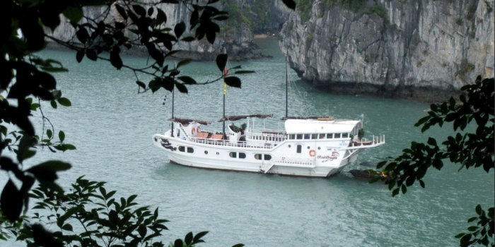 Bai Tu Long bay: The neighbour of Halong you should not miss